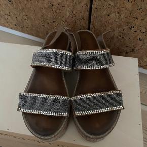 INUOVO sandaler