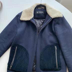 Mega god kvalitet og man får en virkelig god jakke for pengene Ny pris var: 5000