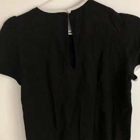 Bluse fra Zara.  Byd