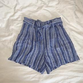 Fine shorts i hørblanding Mærket (+ vaskemærket) er klippet ud, da jeg regnede med, at jeg ville komme til at bruge shortsene (hvilket jeg ikke gjorde) 🌷