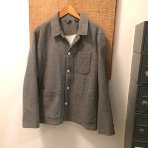 """Levi's jakke str L """"fra Levis California linjen. Der er inspireret af 60'ernes surfkultur"""" Rare piece!!"""