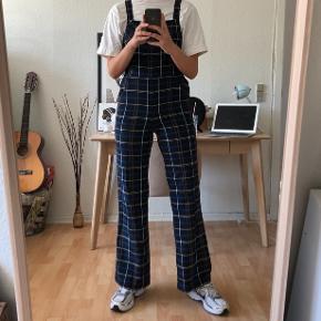 Ternet buksedragt fra Zara, str small 💛