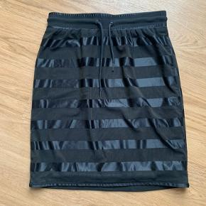 Stylepit nederdel