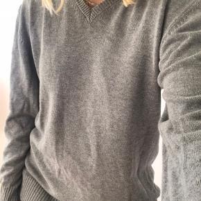 Grå trøje