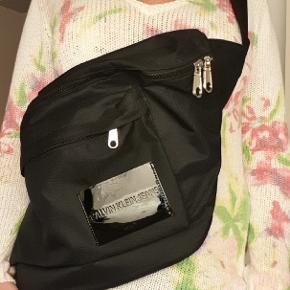 Calvin Klein bæltetaske