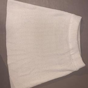 Zara strik nederdel, brugt én gang - str. S