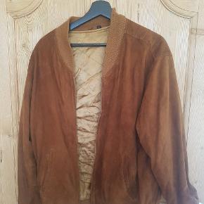 Vanvittig fed og unik jakke. Ukendt mærke i str. L.