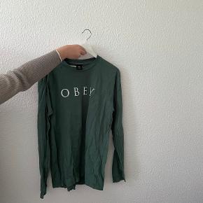 Obey bluse