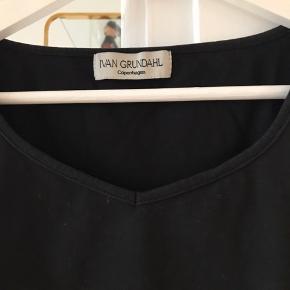Super fin bluse fra Ivan grundahl,blusen er mere en xs men kan også passes af en lile s