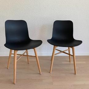 """Rune Krøjgaard og Knut Bendik Humlevik for NORR11. To stole model Langue, massiv"""",   Rune Krøjgaard og Knut Bendik Humlevik. To spisestole model Langue med skal af formstøbt plast og ben af massiv bejdset bøg. Fremstillet for NORR11. H. 78 cm., B. 50 cm., D. 51 cm., siddehøjde 46 cm."""