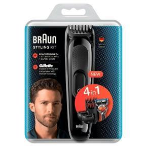 Braun Styling Kit er et 4-i-1 skægtrimmersæt til som ønsker heælt præcise længder og pænt definerede konturer.  4-in-1 trimmer for shaving, trmning og styling Inklusiv 4 tilbehørsdele Nem at rengøre under vandhanen Med denne trimmer kan du både vedligeholde dit look med kortere skægstubbe eller dit store fuldskæg. 4-i-1 trimmeren giver dig tilpas mange muligheder for både barbering, trimning og styling, så det passer til ethvert skæg.  På 8 timer, får du en fuld opladning med en brugstid på 60 minutter, og du har derfor god tid til at rette dit skæg til, så du kan gå stilfuldt ud i verdenen.  Skægtrimmeren fra Braun rengøres nemt under rindende vand.  En Gillette Fusion 5 Proglide skraber medfølger