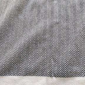 Hamam håndklæder af mærket Algan i sildebens mønster. 2 stk 150 x 90  og 3 stk 100 x 55 sælges samlet for 350 kroner. De er vasket men aldrig brugt.
