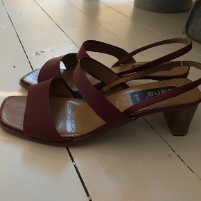 Jana heels