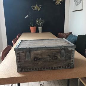 Fed retro opbevaringskasse  #kasse #kuffert #vintage #genbrug #træ