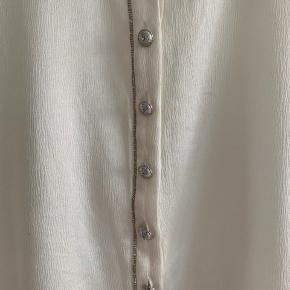Meget fin bluse i silke fra Gustav.
