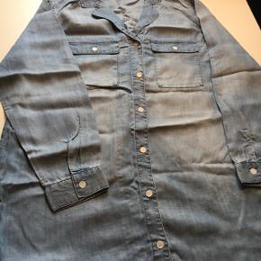 Lang skjorte i lyocell