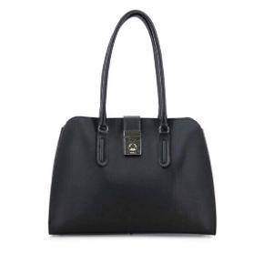 Furla Milano tote i sort læder.  Brugt 2-3 gange til fint brug. Furla dustbag medfølger. Nypris 1.495,00 kr