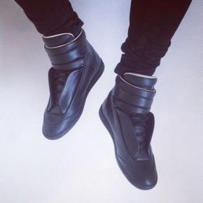 Sender ikke Maison Margiela future high-top sneakers Str 42 Nypris 4900,-