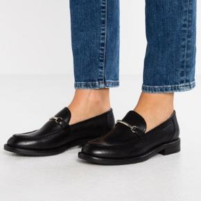 Vagabond loafers  Købt i december  Np 800 kr  Str 41