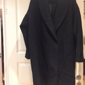 Åhléns frakke i pæn brugt stand str 46😀