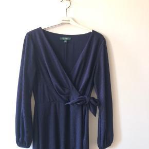 Fin kjole fra Ralph lauren brugt to gange, np var 2800kr.