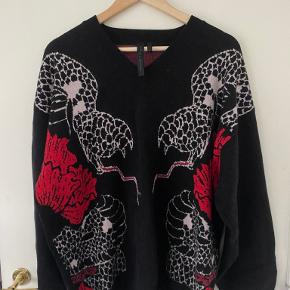 Heart and dagger sweater