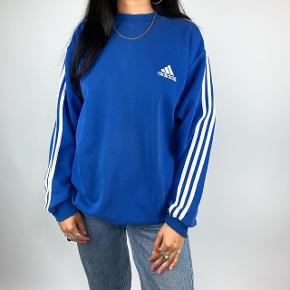 Sælger min Adidas trøje / sweatshirt da jeg ikke få den brugt.