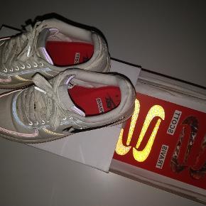 Nike x travis Scott Sail Cond 9/10, smid et bud i privat chat.  Har alt OG  (samtlige swoosh + kvit + box)