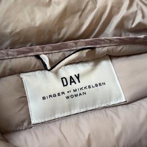DAY Birger et Mikkelsen jakke