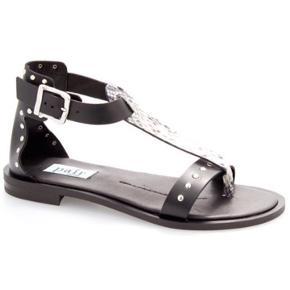 Beskrivelse Varetype: **Nye flotte sandaler** Farve: Sort Oprindelig købspris: 1599 kr.