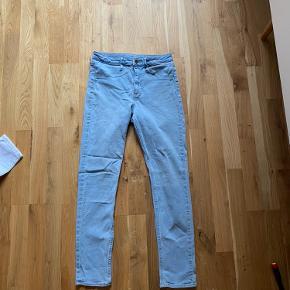 Skinny jeans, High waist i lys farve  !!Pris kan forhandles ved hurtig handel!!