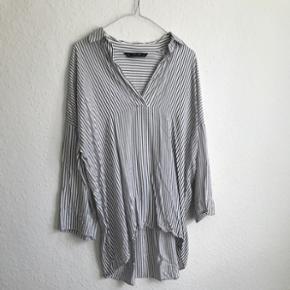 Skjorte fra ZARA, str. S, nypris 500kr 🛍 brugt et par gange og er nyvasket derfor også lidt krøllet 😊 Bytter ikke og sender på købers regning