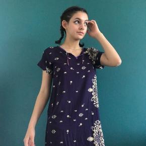 Egyptian looking dress shirt