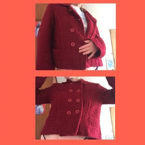 Retro / vintage jakke / frakke - rød :) Byd