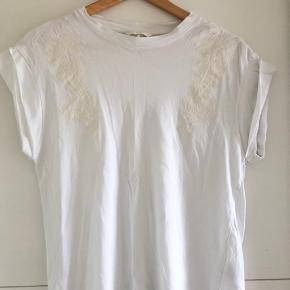 H&M T-shirt med broderier - str. S
