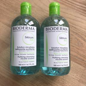 Jeg mødes gerne ude og med afstand og handler i denne tid😷  Prisen er for begge flasker.   Afhentningspris: 160,-   Helt nye og uåbnede Bioderma Sébium makeupfjerner / rensevand.  Mindst holdbar til marts 2022.   Kan afhentes på Østerbro i København.