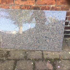 Granit plade 78,5 cm. Lang  BYD  kun realistisk bud.