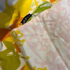 Mønstret sengetøj fra sibas 1x pudebetræk + 1x dynebetræk