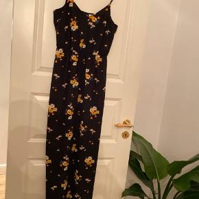 Lang kjole med slids i begge sider