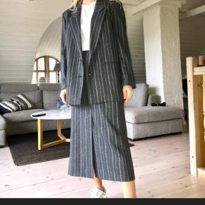 Virkelig lækkert, vintage skirt suit i ren uld