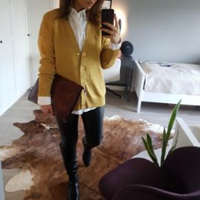 H&M trend cardigan i guld - np 499