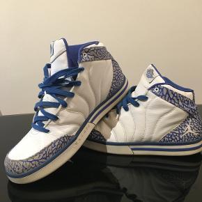 Nike Air Jordan Pro Classic.  Sælges, da de har stået i skabet for længe uden at blive brugt.