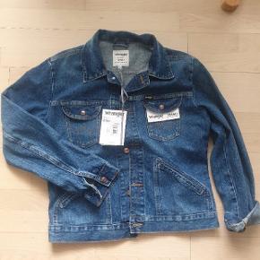 Lækker classic denim jakke. Helt ny. Unisex