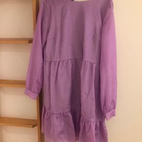Fin kjole fra Pieces, brugt 3-4 gange.