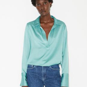 Jeg sælger denne skønne skjorte fra Malene Birger til kun 499 kr. Den er helt ny med mærke og koster normalt 1500 kr.   Smuk bluse fra By Malene Birger i en skøn farve. Skjorten her kan pifte ethvert outfit op. Brug den til hverdag til jeans, nederdele, eller brug den til fest.   Style: Darcel Farve: Misty Green Kvalitet: 52% Viskose 48% Polyester.