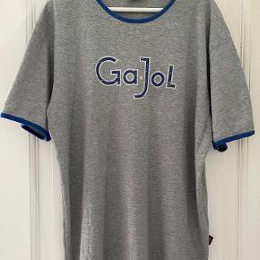 TOMS t-shirt