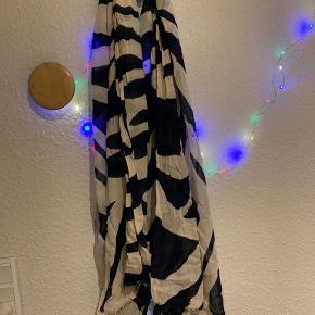 Maya Deluxe tørklæde