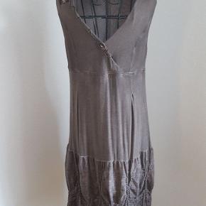 Elisa Cavaletti Boheme/retro kjole, fra det italienske kvalitetsmærke.