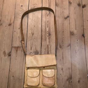 Fin taske fra Meinert!  Ny pris: 1500kr Sælger den til 250kr!