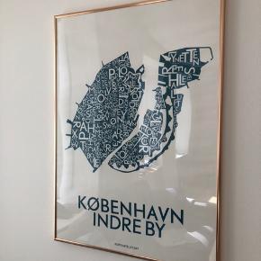 Plakat fra Kortkartellet i størrelsen 50 x 70 cm. Sælges uden rammen.